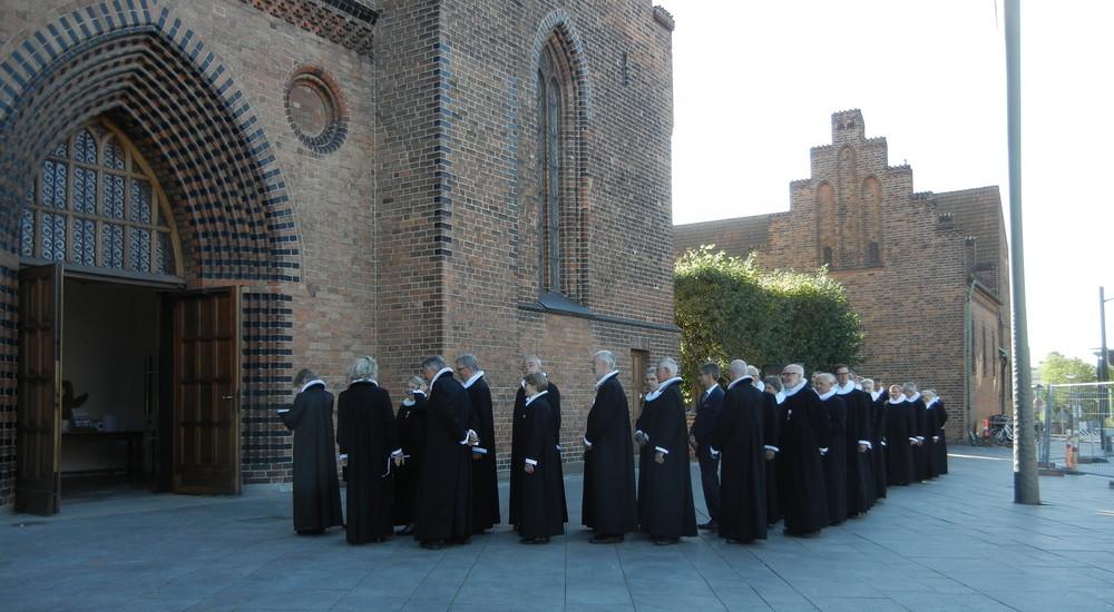 Provster i procession