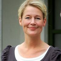 Mette Behrndtz,  Teolog og præst
