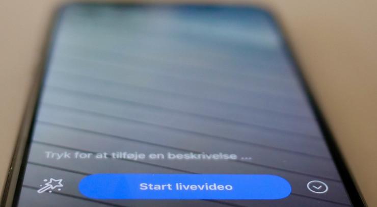 foto af mobil, med livevideo