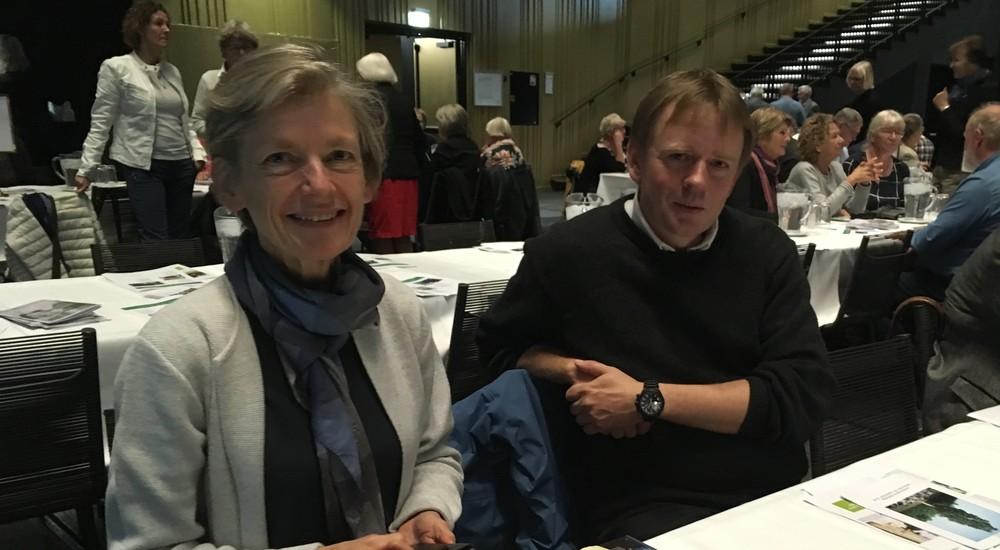 Tine Lindhardt og forsker Johan Fynbo