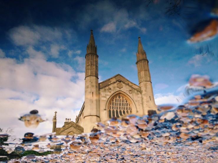 Omvendt 'puddlegram' af Den Danske Kirke i London